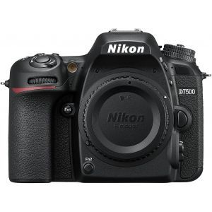 Digitalni fotoaparat Nikon D7500